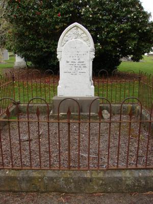Picture of Makaraka cemetery, block MKA, plot 57.