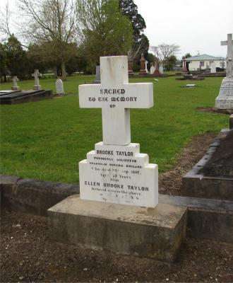 Picture of Makaraka cemetery, block MKB, plot 119.