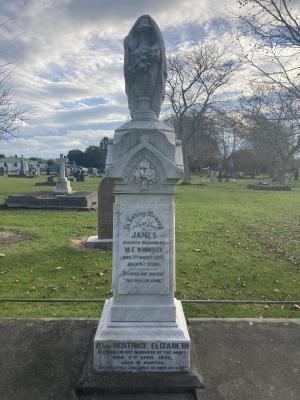 Picture of Makaraka cemetery, block MKB, plot 130.