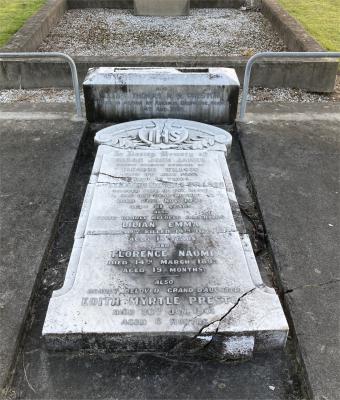 Picture of Makaraka cemetery, block MKB, plot 239.