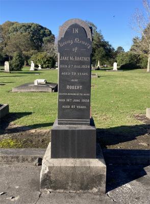 Picture of Makaraka cemetery, block MKC, plot 914.