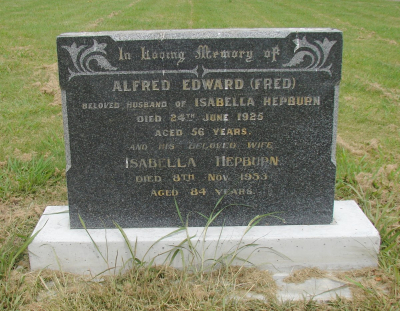 Picture of Makaraka cemetery, block MKG, plot 375.