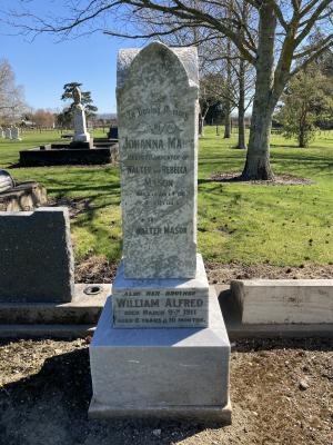 Picture of Makaraka cemetery, block MKL, plot 831.