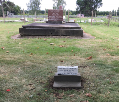 Picture of Makaraka cemetery, block MKM, plot 1445.