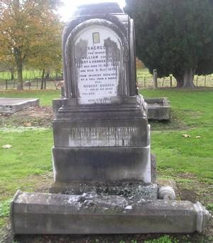 Picture of Makaraka cemetery, block MKOLD, plot 130.