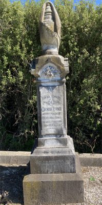 Picture of Ormond cemetery, block ORM1, plot 10.