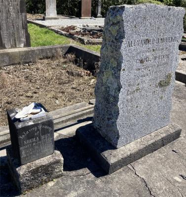 Picture of Ormond cemetery, block ORM1, plot 124.