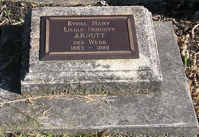 Picture of Ormond cemetery, block ORM2, plot 37.