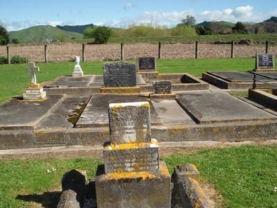 Picture of Patutahi cemetery, block PATG, plot 32.
