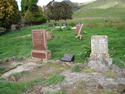 Picture of Rakauroa cemetery, block RAK/1A, plot 2.