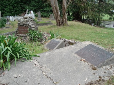 Picture of Ruatoria cemetery, block RUAA, plot 24.