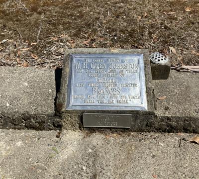 Picture of Ruatoria cemetery, block RUAA, plot 33.
