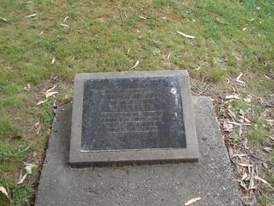Picture of Ruatoria cemetery, block RUAC, plot 80.