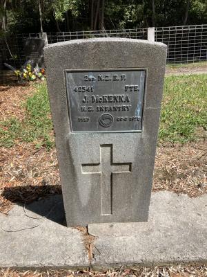 Picture of Ruatoria cemetery, block RUARS, plot 3.