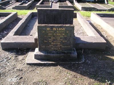 Picture of Taruheru cemetery, block 10, plot 80.