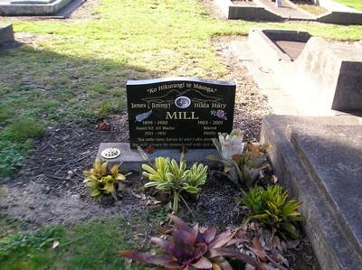 Picture of Taruheru cemetery, block 10, plot 92.
