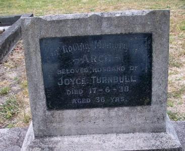 Picture of Taruheru cemetery, block 11, plot 35.