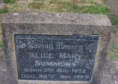 Picture of Taruheru cemetery, block 12, plot 108.