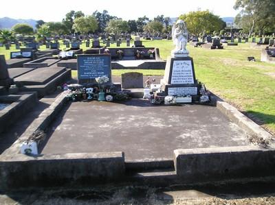Picture of Taruheru cemetery, block 12, plot 111.