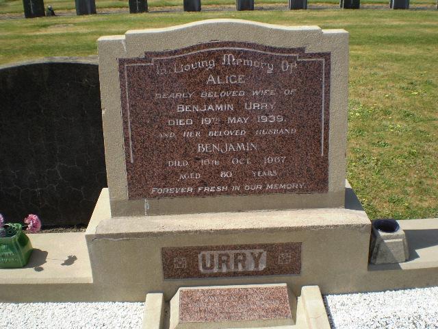 Picture of Taruheru cemetery, block 12, plot 56.