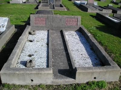 Picture of Taruheru cemetery, block 13, plot 67.