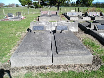 Picture of Taruheru cemetery, block 14, plot 108.