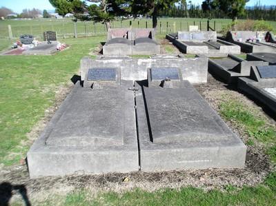 Picture of Taruheru cemetery, block 14, plot 108.