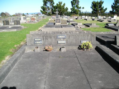Picture of Taruheru cemetery, block 14, plot 14.