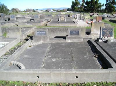 Picture of Taruheru cemetery, block 15, plot 19.