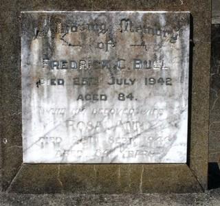 Picture of Taruheru cemetery, block 15, plot 20.