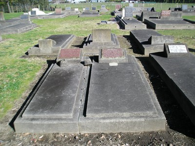 Picture of Taruheru cemetery, block 15, plot 26.