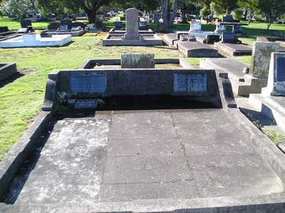 Picture of Taruheru cemetery, block 15, plot 61.