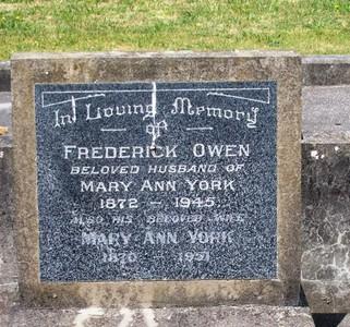 Picture of Taruheru cemetery, block 15, plot 71.