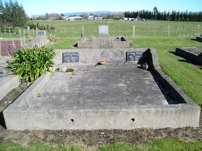 Picture of Taruheru cemetery, block 15, plot 72.