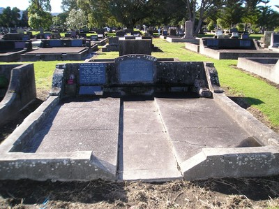 Picture of Taruheru cemetery, block 15, plot 86.