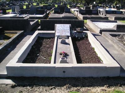 Picture of Taruheru cemetery, block 15, plot 89.