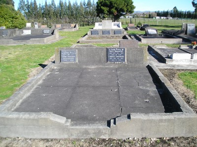 Picture of Taruheru cemetery, block 16, plot 21.