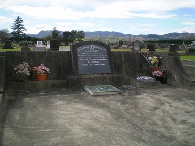 Picture of Taruheru cemetery, block 17, plot 50.