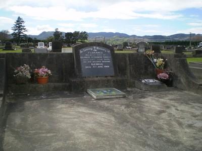 Picture of Taruheru cemetery, block 17, plot 50.