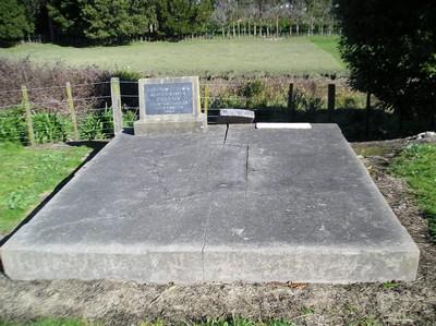 Picture of Taruheru cemetery, block 17, plot 91.