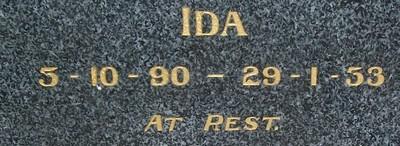 Picture of Taruheru cemetery, block 19, plot 40.