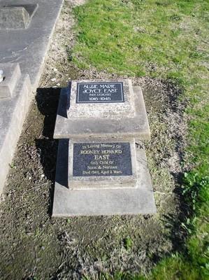 Picture of Taruheru cemetery, block 19, plot 6.