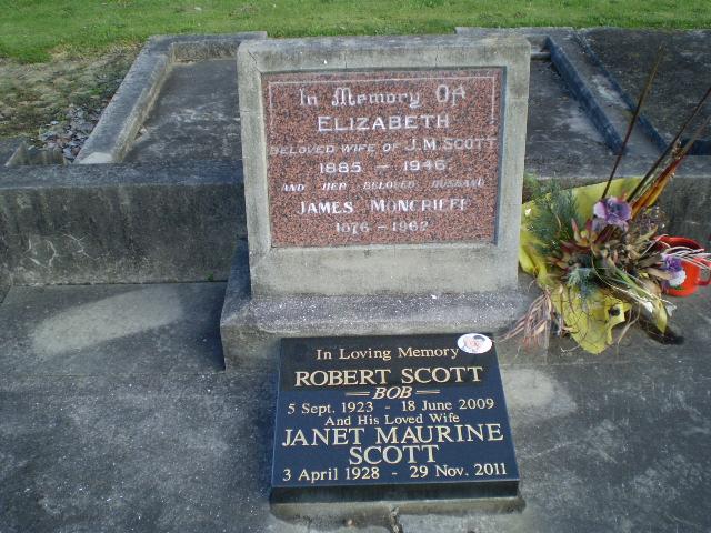 Picture of Taruheru cemetery, block 19, plot 78.