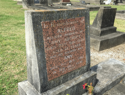 Picture of Taruheru cemetery, block 1, plot 111.
