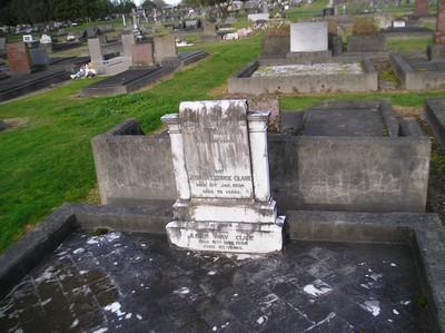 Picture of Taruheru cemetery, block 1, plot 14.