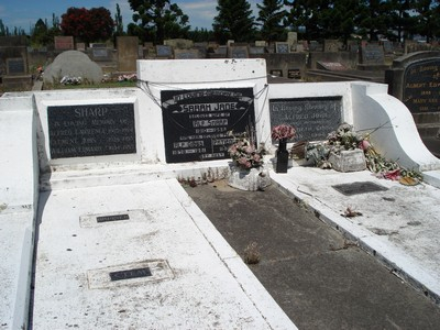 Picture of Taruheru cemetery, block 21, plot 242.