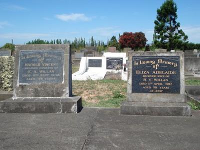 Picture of Taruheru cemetery, block 21, plot 305.