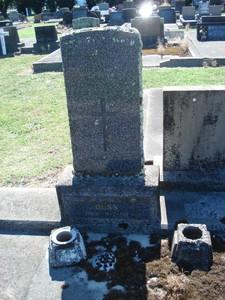 Picture of Taruheru cemetery, block 21, plot 72.