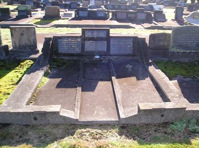 Picture of Taruheru cemetery, block 21, plot 74.