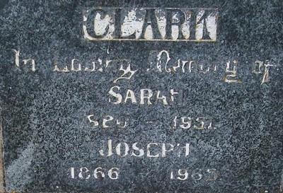 Picture of Taruheru cemetery, block 22, plot 166.
